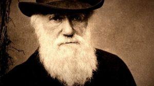 داروين ليس أول من تحدث عن نظرية التطور